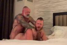 Daddy Breeds the Sexy Cub! Cub Nugget & Daryl Richter (Bareback)