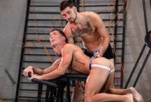 Fuck Bench Whore: Leeroy Jones & Isaac Parker (Bareback)