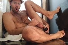 Dario Beck (dariobeck) What a fuck, you bastard! Look how this huge black rod fucks me