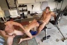 Salty Boys (saltyboysxxx) threesome DL guy back (Bareback)